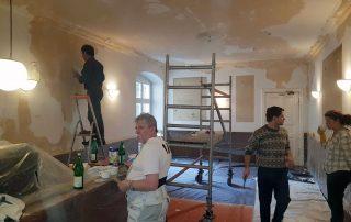 Des Team der Renovierung in der Kastanie
